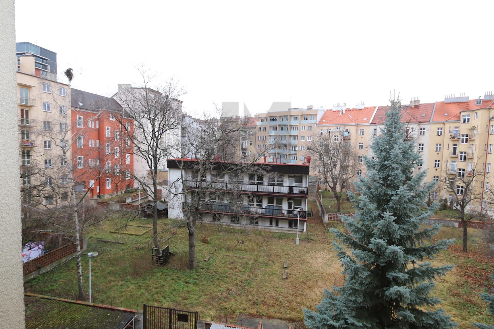PRODEJ BYTU 3+1 se 2 balkony, U Průhonu, Praha 7 - Holešovice