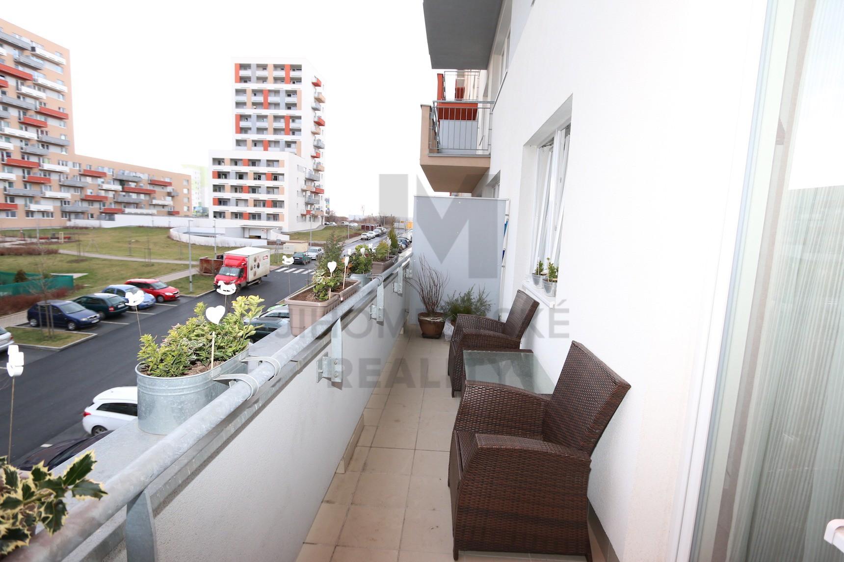 NÁJEM BYTU 2+kk s balkonem, Modenská, Praha 10 - Horní Měcholupy